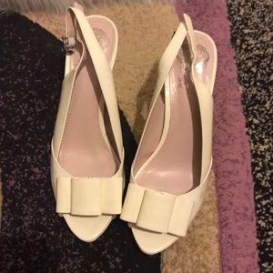 Vince Camuto heels white